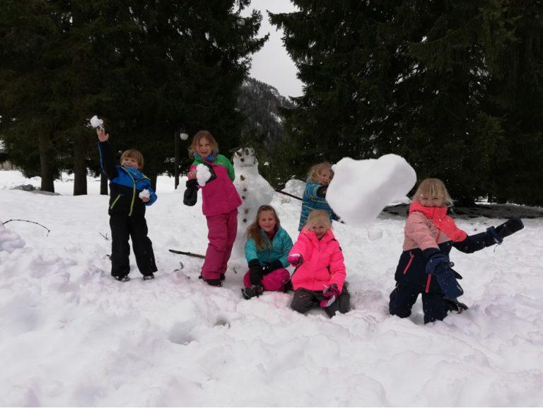 Kriski-kinderanimatie-sneeuwgevecht