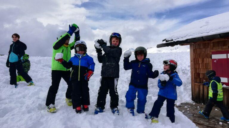Kriski-kinderanimatie-sneeuwgevecht-go